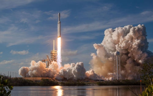 美国联邦航空管理局批准SpaceX未来三次发射