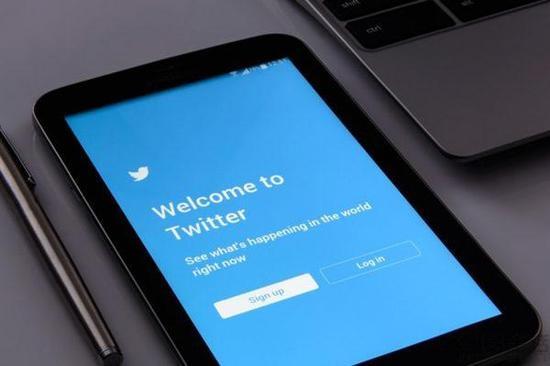 Twitter移动应用新版内测音频聊天室成中心